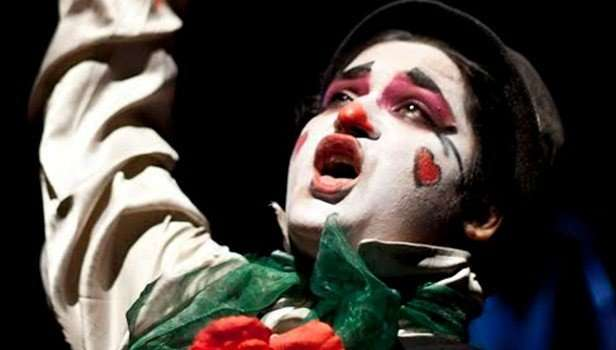 Hamlet the clown prince (1)